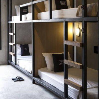 Letti a castello per stanza da letto di B&B in stile industrial