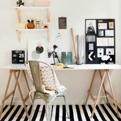 Tappeto a righe bianche e nere in studio
