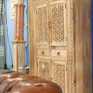 Stipo Indiano in legno Sheesham con 4 Ante e 2 Cassetti Teypat
